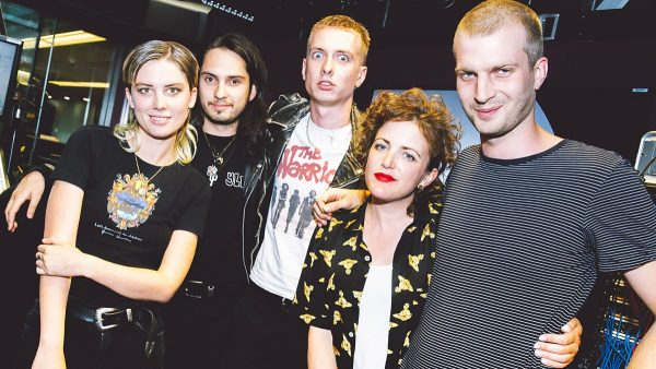Annie Mac 2017-08-14 Wolf Alice deliver a new song