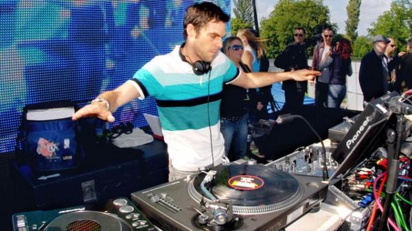 BBC Radio 1 Essential Mix 2012-05-05 Groove Armada