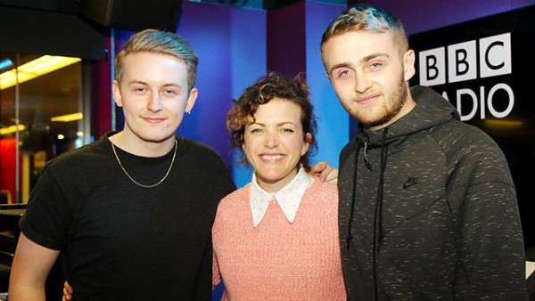 Annie Mac's Friday Night 2015-05-01 Mini-Mix from Spor + Special Delivery from Disclosure