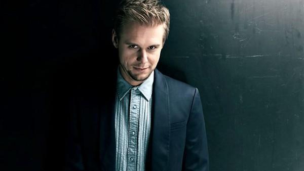 Armin van Buuren – A State of Trance Episode 713 2015-05-14