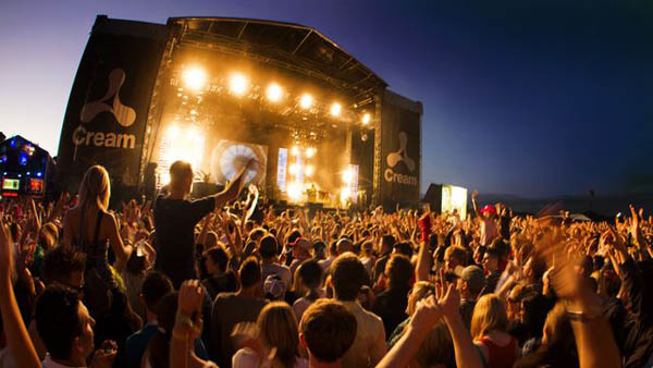 BBC Radio 1 at Creamfields 2011-09-03 with Danny Byrd, Caspa, Magnetic Man, MistaJam and Crissy Criss