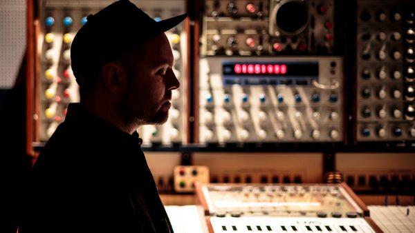 DJ Shadow - Essential Mix 2016-07-02 Essential Mix Masters