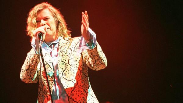 David Bowie at Glastonbury 2000 2016-01-16