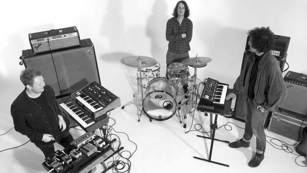 Freak Zone Playlist 2017-11-26 The Physics House Band