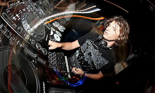 Hernan Cattaneo - Resident #107 on Delta FM 2013-05-25