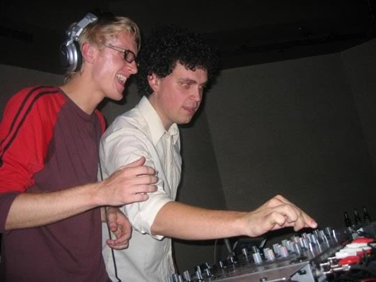 Simian Mobile Disco – Pure Trax (Pure FM) 2012-05-26