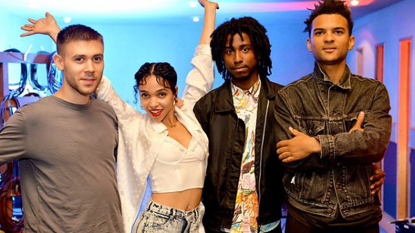 Zane Lowe 2014-08-06 FKA Twigs in session